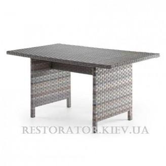 Стол из алюминия и широкой ленты полиротанга Глория прозрачное стекло - Restor®